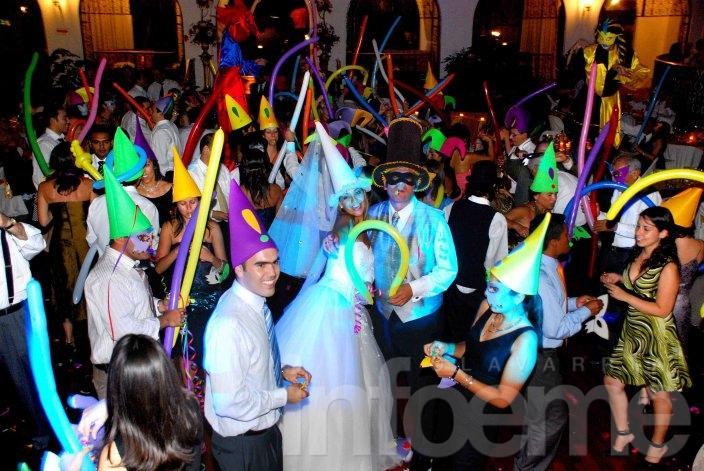 El delirio se hizo realidad, fiesta de casamiento sin novios