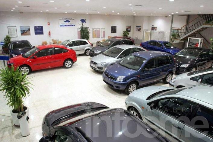 Reducen impuestos para autos fabricados en el país