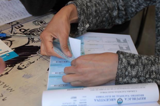 Comenzó la veda electoral en cinco distritos del país