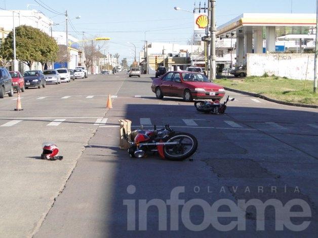 Cuatro heridos en choque entre dos motos