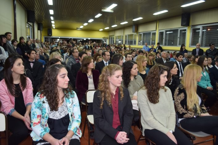 Nuevos graduados en la Unicén