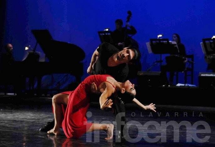 Cecilia Figaredo llega a los festejos en el Teatro