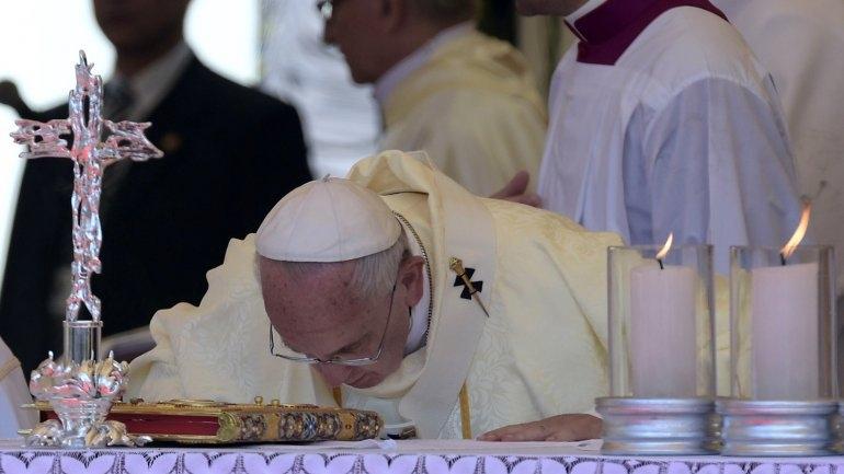 El papa Francisco cierra su gira por Sudamérica ante 600 mil fieles