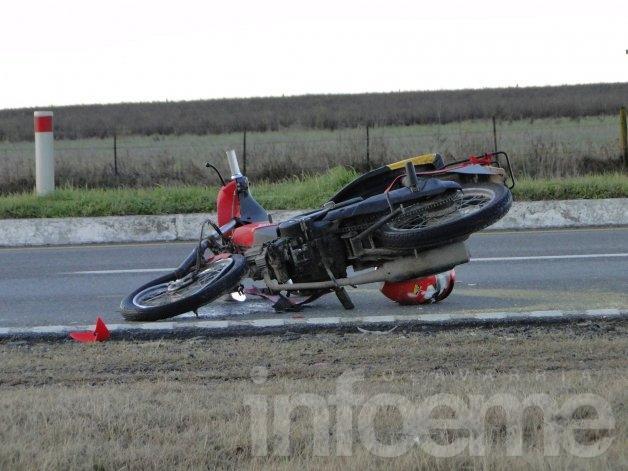 Impactante accidente sobre Ruta 226: una moto chocó contra un acoplado