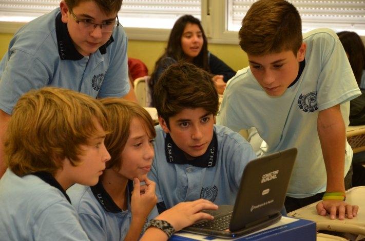 """Valicenti: """"A las miles de nettbooks entregadas hay que sumarles la capacitación docente necesaria"""""""