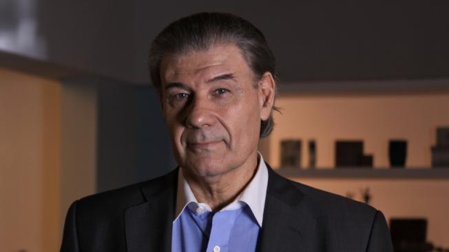 Allanaron la casa de Víctor Hugo Morales por un juicio que le inició Cablevisión