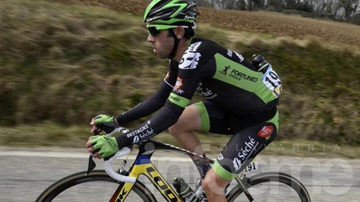 Un argentino fue excluido del Tour de France por subirse a un auto