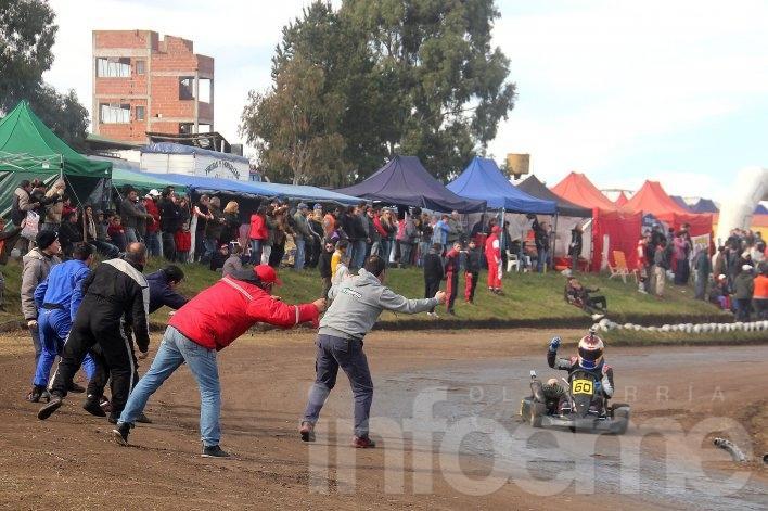 Grandes espectáculos en la fiesta del karting