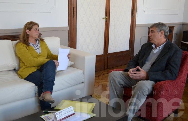 Margarita Arregui entregó un subsidio al Club Atlético Sierra Chica
