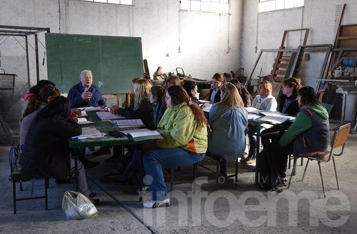 Comenzó el curso de soldadura para mujeres en ITECO