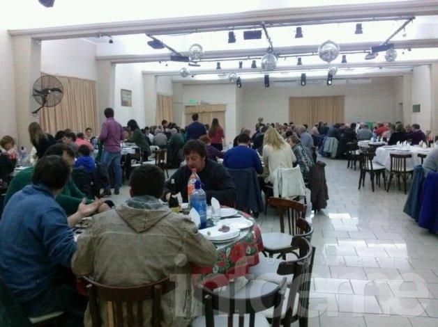 Más de 140 personas se acercaron a la cena de Josefina Vigo