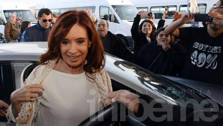Se dictó la inhibición de bienes de Cristina Fernández