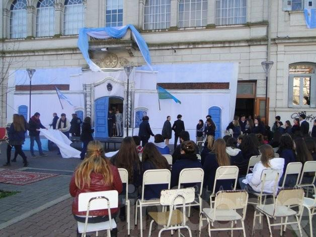 Escuelas de Olavarría celebran el bicentenario
