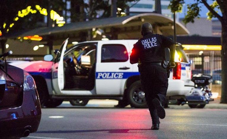 Dallas: francotiradores mataron a 5 policías