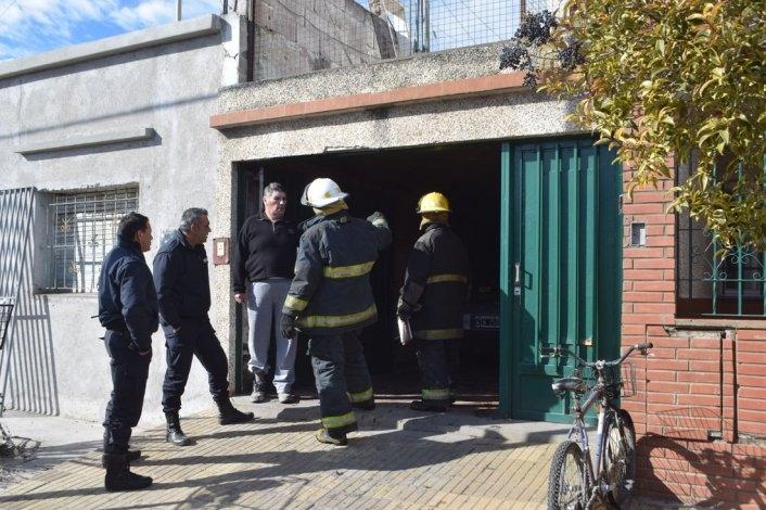 Incendio en un garaje de una vivienda en barrio San Vicente