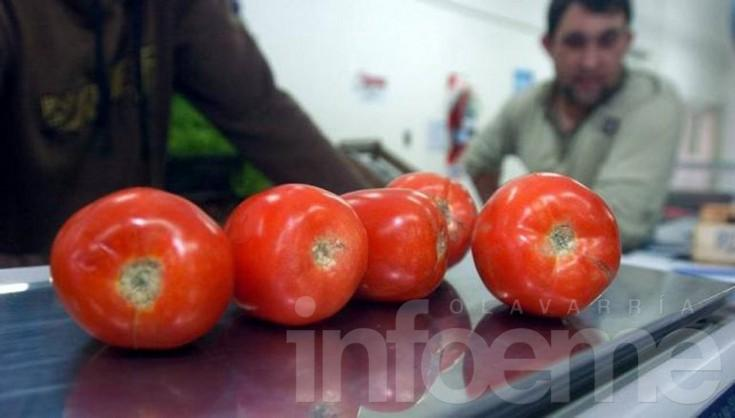Advierten que el kilo de tomate y el morrón se pueden ir a 200 pesos