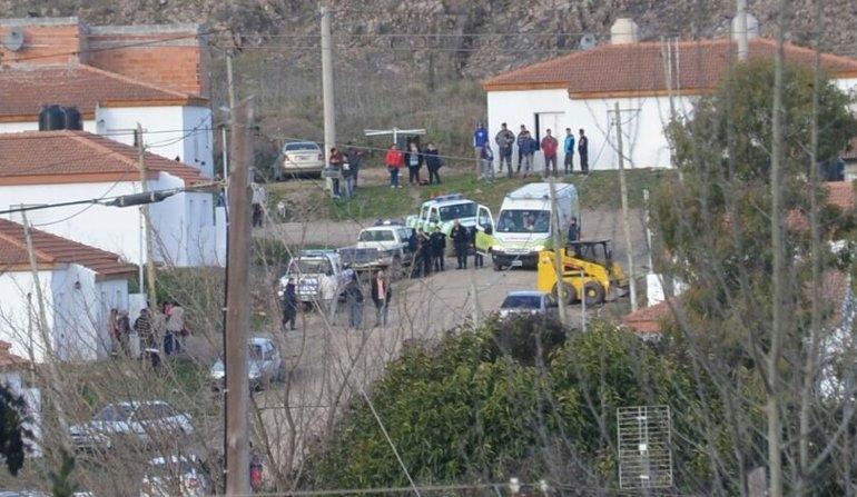 Dos policías heridos, un baleado y dos aprehendidos en Sierras Bayas