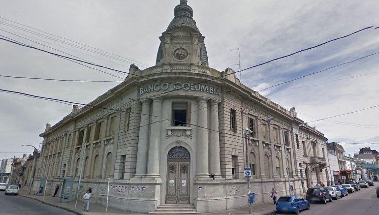 Vecinos muestran su preocupación por un edificio histórico