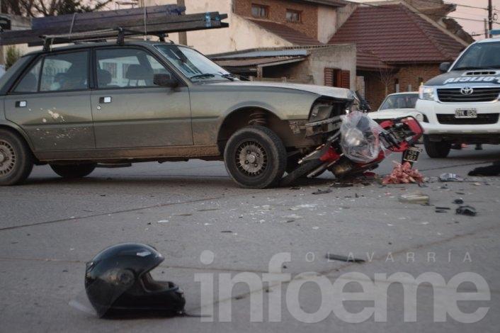 Un herido tras fuerte choque en cruce de avenidas