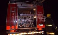 Bomberos trabajó en el incendio de un departamento interno