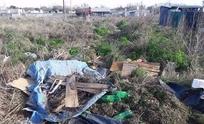 """Solicitan la limpieza """"urgente"""" de basurales en barrio AOMA"""