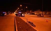 Ciclista sufrió graves heridas al chocar con un camión