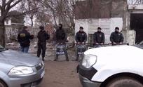 Allanan y secuestran armas tras violento asalto