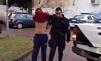 Atrapan a joven que robó en la vía pública: le gatilló a la víctima pero los tiros no salieron