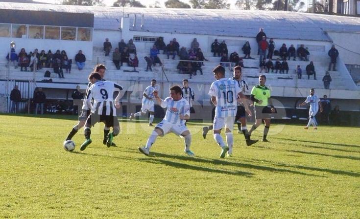 Ferro se vuelve con un empate de Bahía Blanca