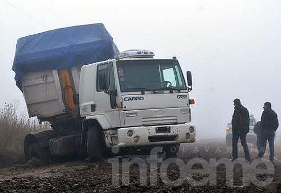 Infraccionan a camionero que circulaba por camino rural