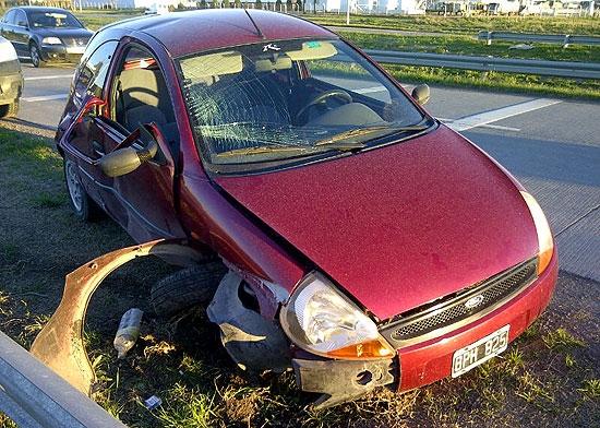 Dos heridos en un violento accidente en la ruta 226