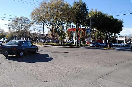 Comienza a regir el cambio de circulación de calles en la zona del Hospital