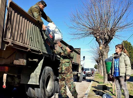 El regimiento y el Centro de Acceso a la Justicia entregaron donaciones