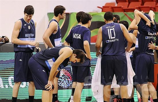 En un partido cerrado, Argentina cayó ante España 64 a 57