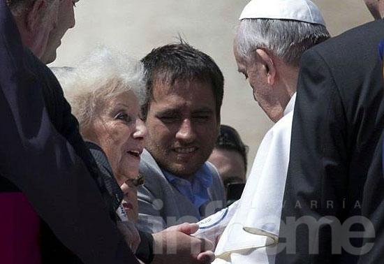 El Papa felicitó a Estela por la recuperación de Ignacio