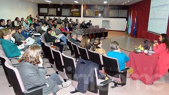 Andrea Grobocopatel disertó sobre responsabilidad social en la Facultad de Ingeniería