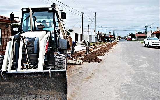 Obras de saneamiento para cuatro barrios de la ciudad