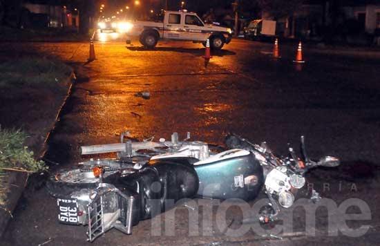Continúa grave el motociclista accidentado en Pueblo Nuevo
