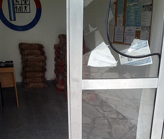 Roban y provocan destrozos en la sede del Círculo de Suboficiales