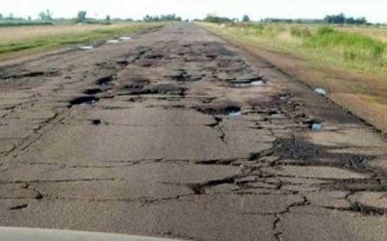 Cortan Ruta 51 para denunciar abandono y mal estado