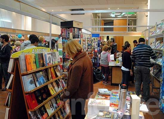 Casi 2 mil personas ya visitaron la Muestra de Libros