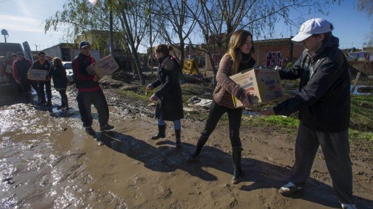 Bajaron las aguas y es lento el retorno de los evacuados a sus hogares