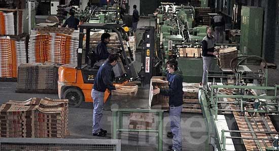 Según el INDEC, la desocupación bajó al 6,6%