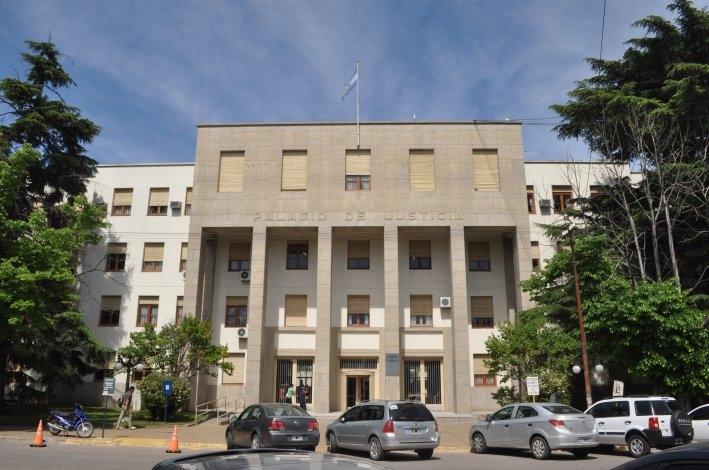 Por falta de fiscal, suspenden un juicio que debía iniciar este jueves