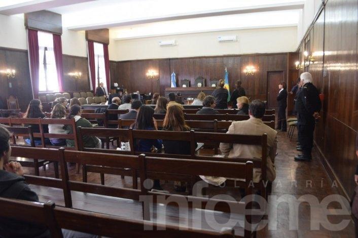 Fuertes testimonios y polémica por un jurado en la reanudación del juicio