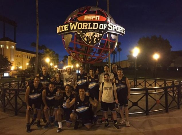 Un olavarriense en el Mundial de Maxibasquet de Orlando
