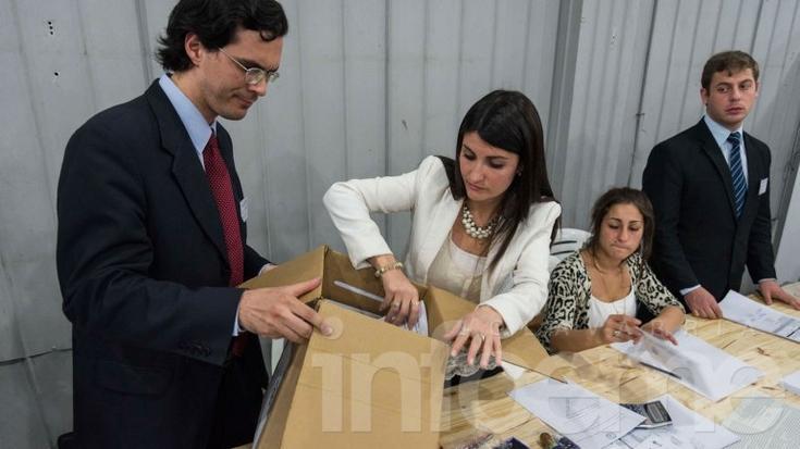 Tucumán: encontraron una urna con más votos que electores y otra vacía