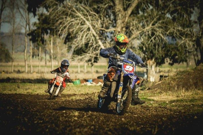 El motocross llega a Hinojo