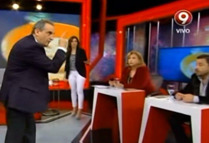 """Moreno invitó a pelear a un economista: """"Sos un idiota"""""""