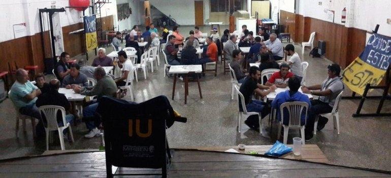 Torneo de truco en el Club Luján